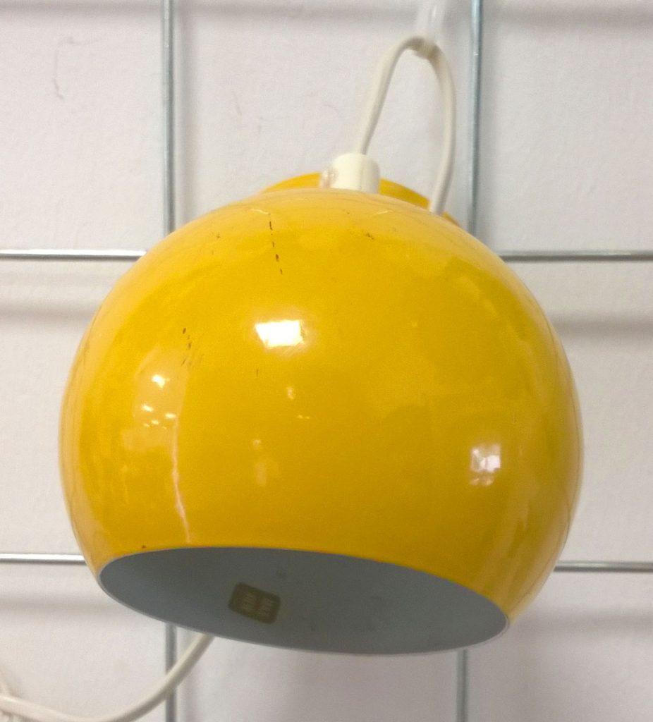 boligtilbehoer kuglelamper forskellige farver roed gul brun hvid