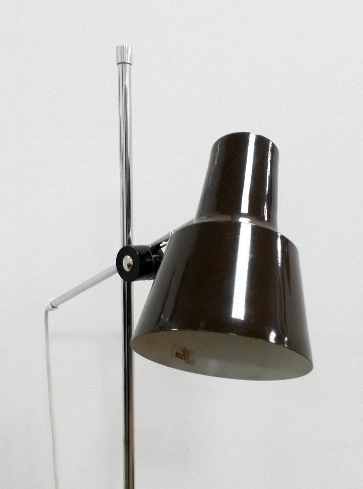 fin gulvlampe af e.s.horn med metalskaerm i brun