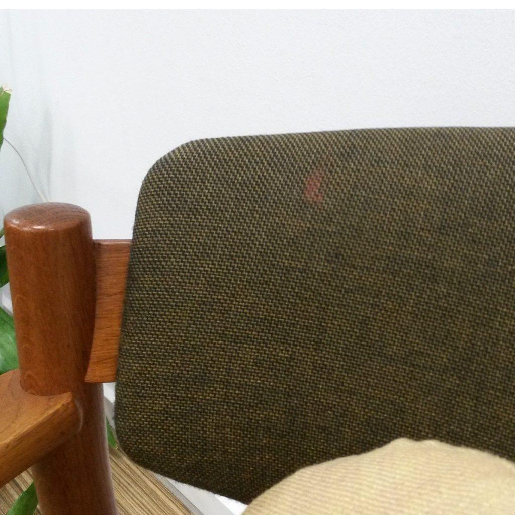 dekohjem armstol i eg med groent stof b