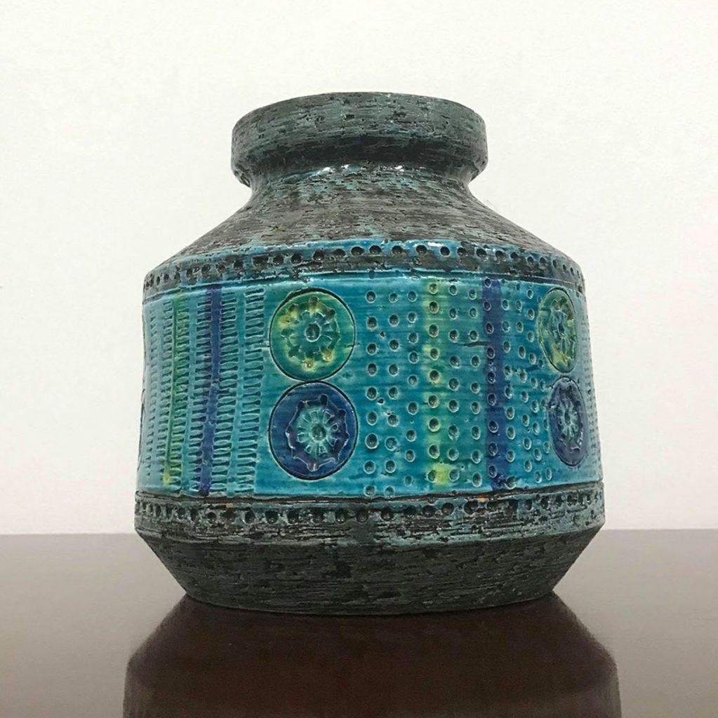 flot vase i keramik med retro
