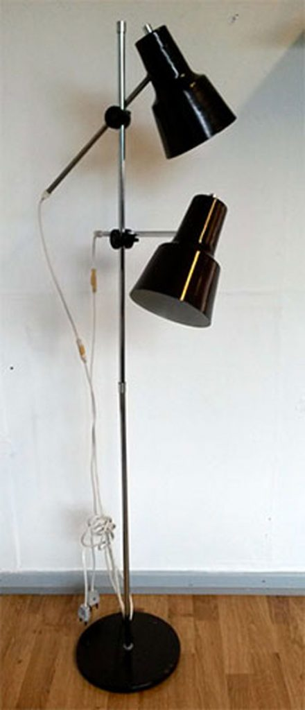 boligtilbehoer gulvlampe brun metal
