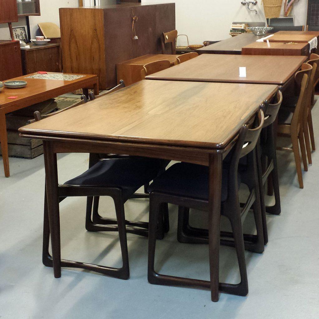 spisebord i riopalisander med hollandsk udtraek og afrundede kanter