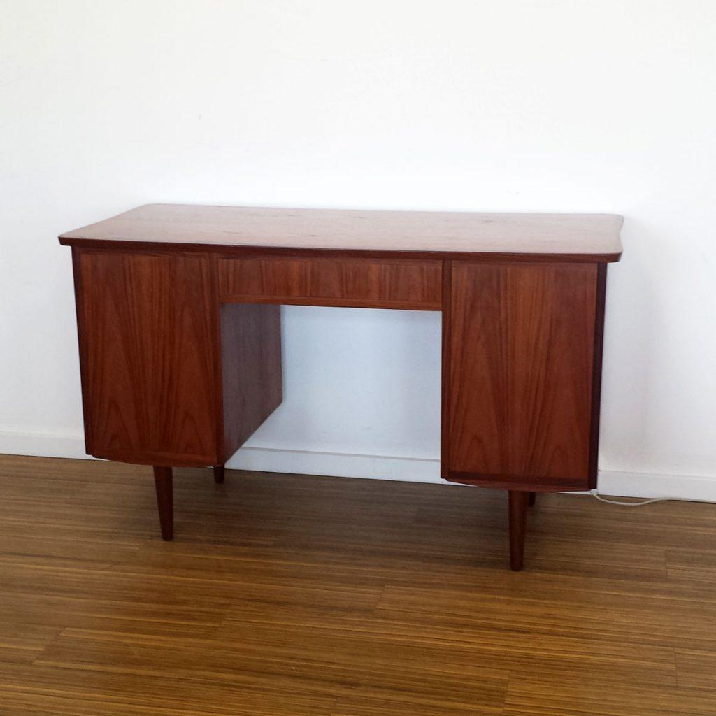 skrivebord i teak