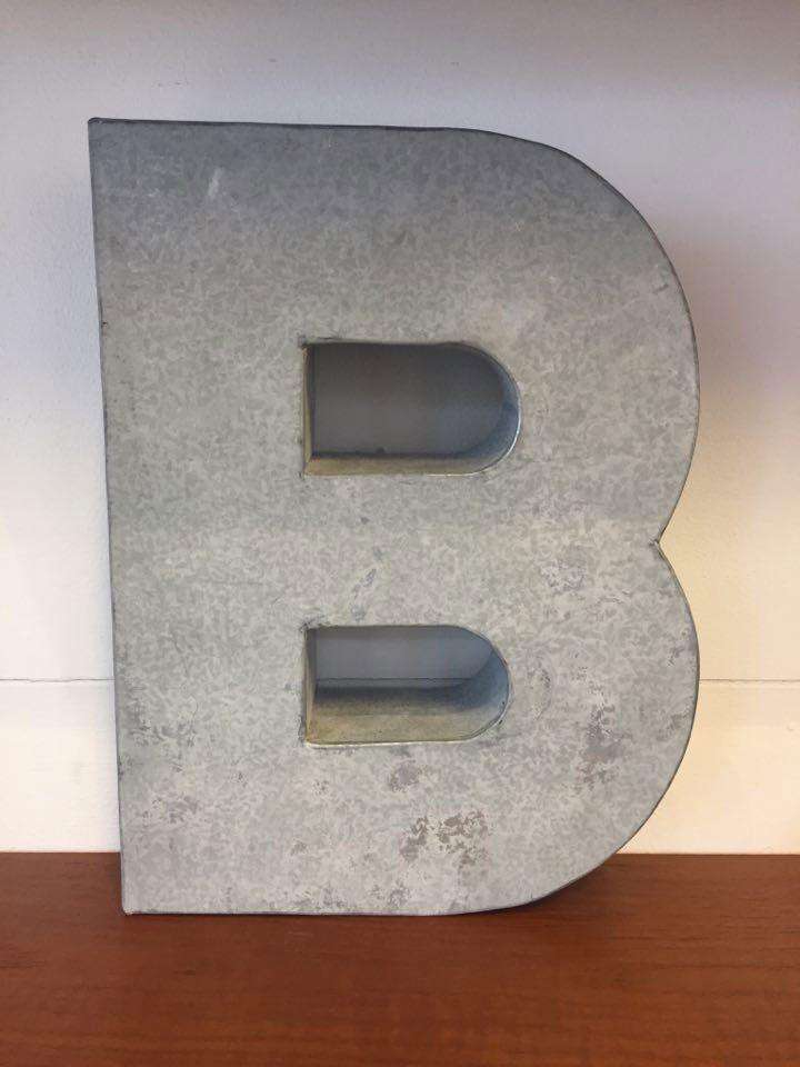 boligtilbehoer varia bogstaver metal rustik pynt