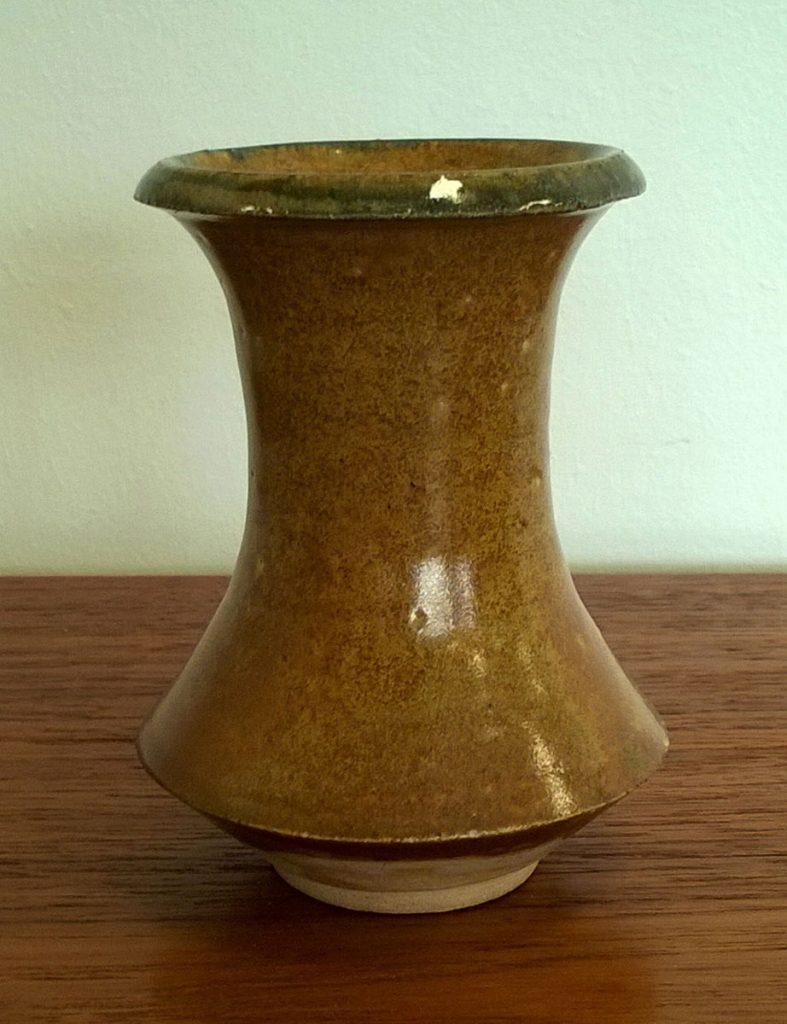 boligtilbehoer vase lille gulbrun keramik