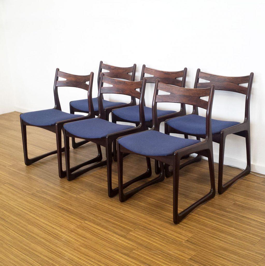 smukt designede spisestole i palisander med blaat stof