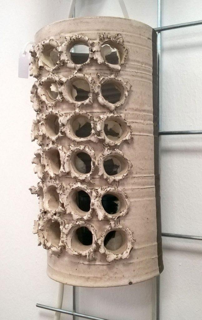 boligtilbehoer vaeglampe keramik huller