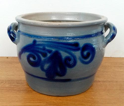 boligtilbehoer hollandsk krukke keramik saltglaseret graa blaa
