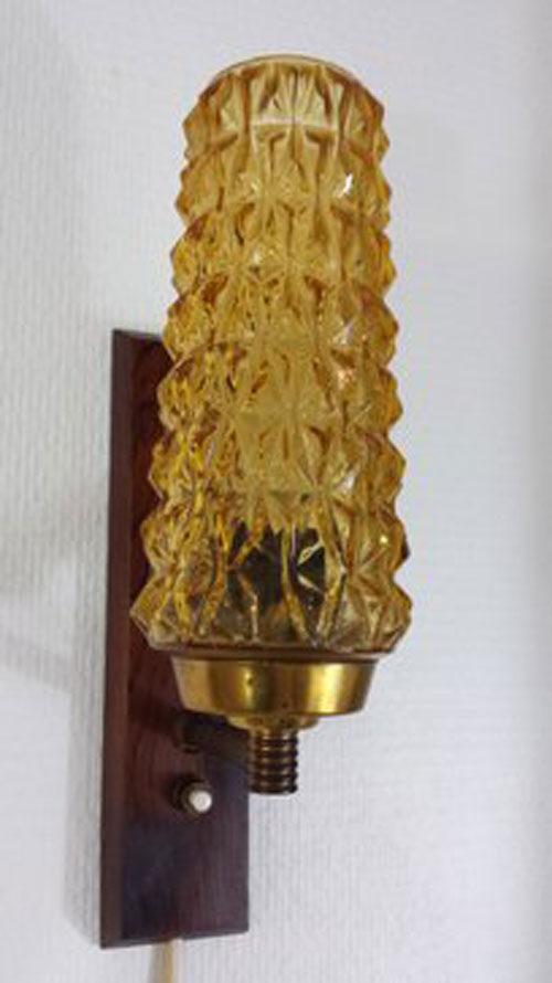 boligtilbehoer vaeglampe glasskaerm dansk
